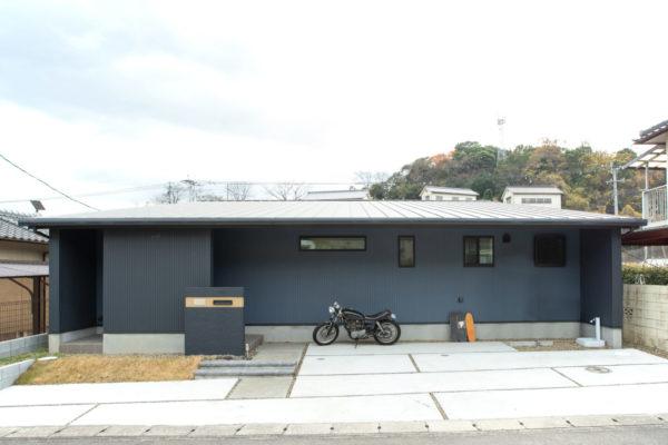 大分市桃園|片流れ屋根がスタイリッシュなシンプルモダンの平屋。