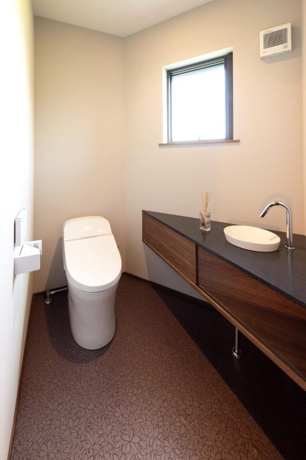 豊後高田市来縄|手洗いコーナー付きのトイレ